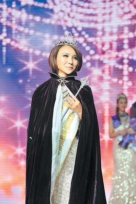 2011星姐冠军贺笛。陈飞 摄