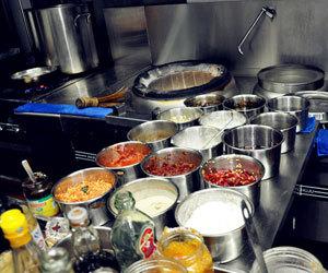 厨房一角,还算整洁
