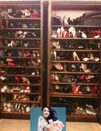 大S名鞋堆积如山