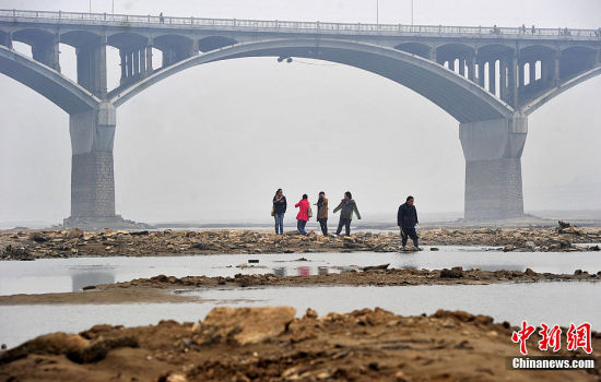 湘江枯水 河床裸露