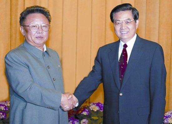 2010年5月5日,胡锦涛在北京人民大会堂与金正日举行会谈。新华社 图