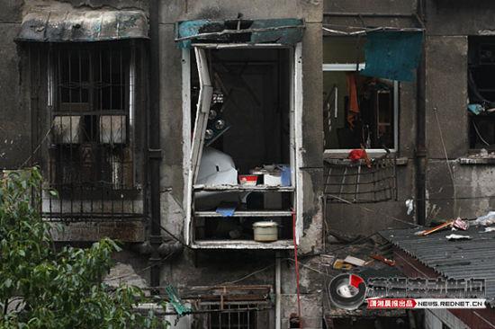 1月2日,清水塘,事发的房屋,厨房被炸得裸露在外。 图/潇湘晨报滚动新闻记者 韩敬宇