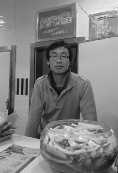 胡韬在他的馄饨店,他希望以后能开多家馄饨连锁店。
