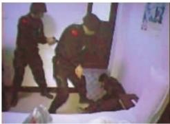 受害者被成功解救,犯罪嫌疑人被击毙。