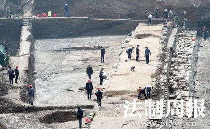 长沙潮宗街古城墙考古发掘现场。记者 伏志勇 图