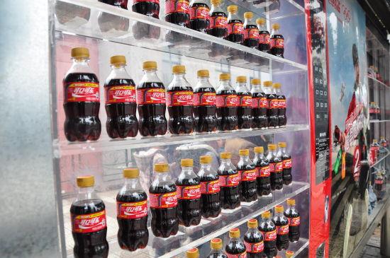 长沙现可口可乐创意公交候车亭图片