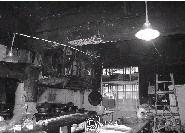 昨日下午,解放西路三王街四��不鸸�城的厨房起火。图/记者吴静