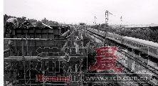 湘府路湘江大桥二标段施工现场,工人们正在忙碌着。图/记者陈勇