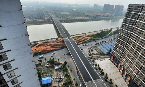 这是6月19日拍摄的长沙营盘东路浏阳河大桥全景。
