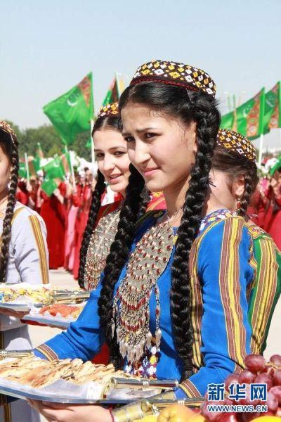 实拍土库曼斯坦美女 外国公民想娶先交税