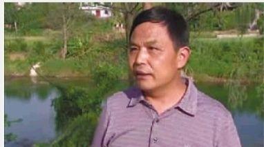 目击者陈克仪说,他曾劝阻被救一家先别走,但他们并没理睬。