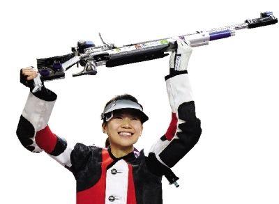 易思玲 1989年5月6日出生,郴州桂阳县人,2008年进入国家射击队,曾获得世锦赛、亚运会女子10米气步枪的冠军。2012年7月28日,获得伦敦奥运会首金。