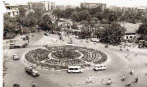▲1985年时的芙蓉广场,图中竖向小路即为芙蓉路,往上可去浏城桥、往下可到伍家岭。