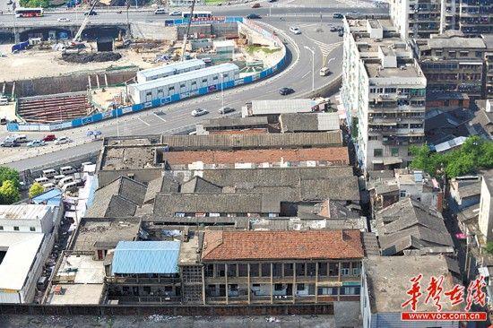 7月31日下午,长沙市下河街小商品市场,该片区即将棚户区改造。
