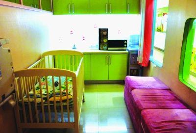 新世界百货商场徐东店内的育婴室。记者李子云摄