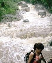 8月18日,大雨过后,炎陵神龙谷的水流十分湍急。图/陈俊林