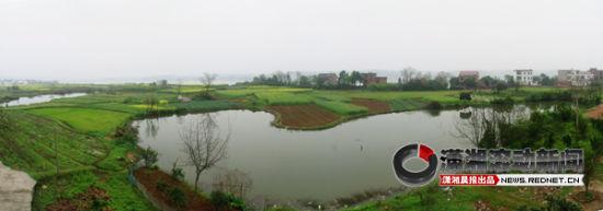 2012年8月13日,衡山窑赵家堆、渡口边窑址,在衡山窑废弃后,它的挖泥坑聚水成塘。