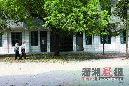 位于万溶江边,原协台衙门旧址的乾城小学。这里曾作国立八中高女部校舍,如今旧迹了然无痕。