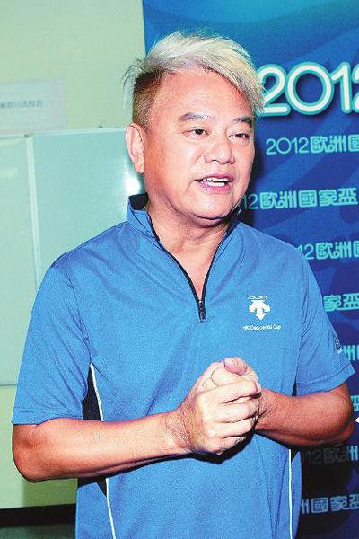 2012年7月1日,陈百祥在香港TVB直播现场