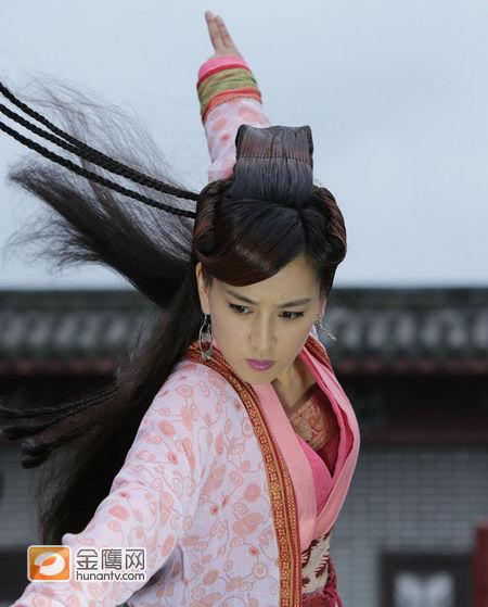马苏出演《新白发魔女传》练霓裳