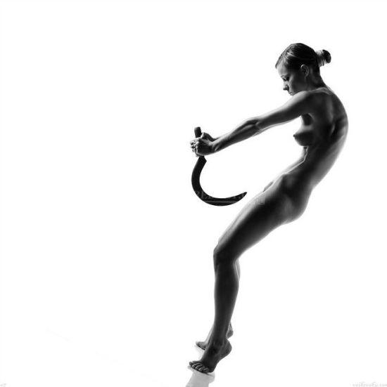 """当裸男玉女合为一体 那些大尺度""""舞动雕塑"""""""