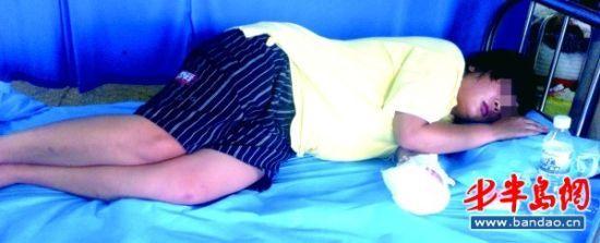 自杀女子躺在病床上