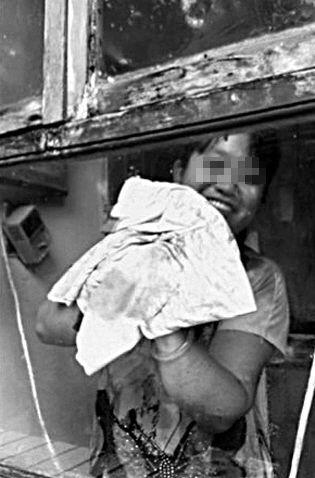 案发后,志愿者曾轮流到关某暂住地为流浪动物清扫卫生。新京报记者 张玉学 读者 摄