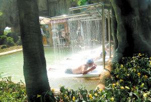紫龙湾温泉,别有韵味。