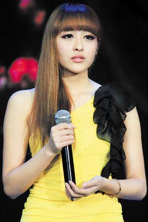 2012星姐选举美女主播季选手张竹青长相酷似柳岩。