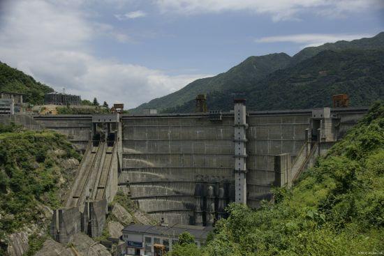 亚洲第一薄壳拱坝