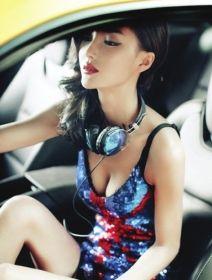 李颖芝的清凉造型。