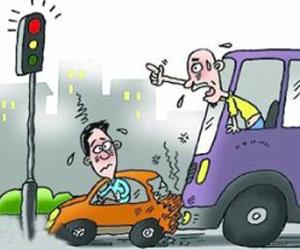 长沙交警称:黄灯新规致交通事故率明显下降