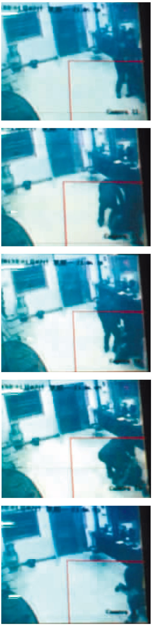 长沙市救助站内的监控,录下了这段打人过程
