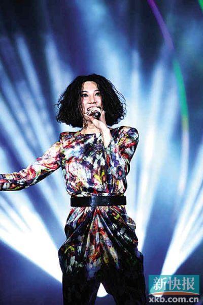 尚雯婕对节奏的敏感、对舞台和现场气氛的掌控能力令人吃惊。
