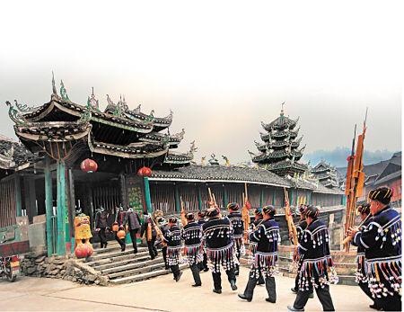 芦笙表演是通道旅游的一大特色。