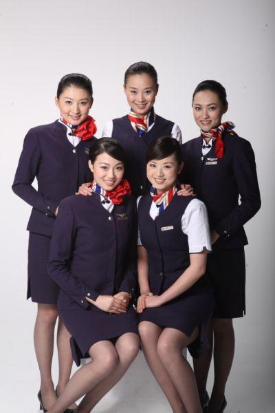 亚太最受欢迎空姐制服:中国东航空姐最靓眼(图 ...