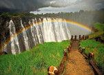 维多利亚瀑布的彩虹