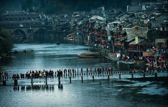 新浪旅游配图:凤凰古城 摄影:郭亮村村民