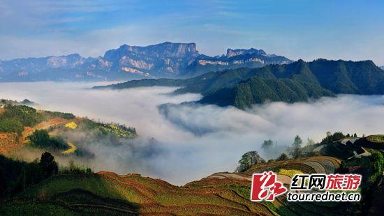 但2001年,天门山风景区内的观音山被发掘出金钗,金簪等14件元明时期的