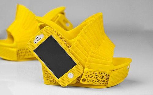 能携带iPhone的3D打印鞋