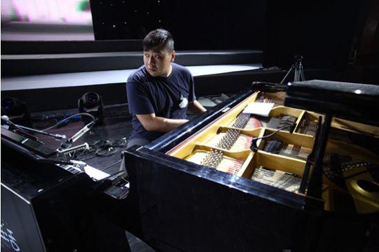 钢琴-张张