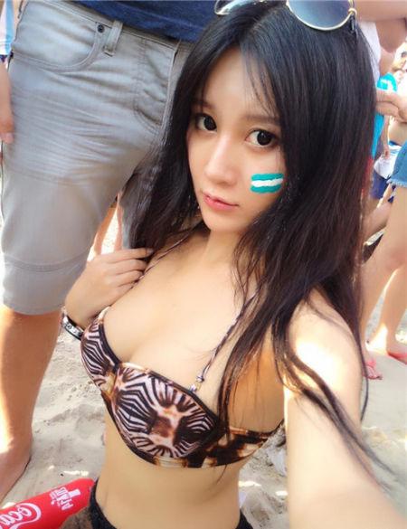 世界杯德法大战现场中国美女乳神胸夹图