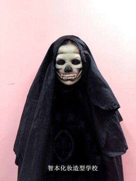 深圳公明彩妆盘发学校教你骷髅妆的画法