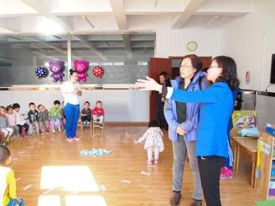 教育局组织锡盟市各幼儿园园长交流学习
