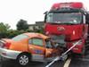 男子劫车被撞身亡