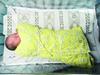婴儿被弃绿化带